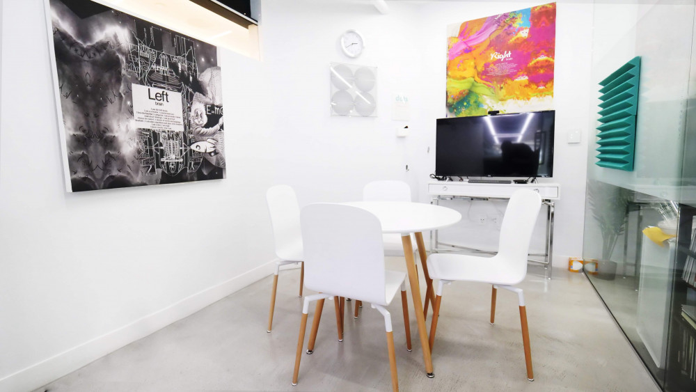 dots SPACE Beverly Hills Small Meeting Room | CloudVO City Guide