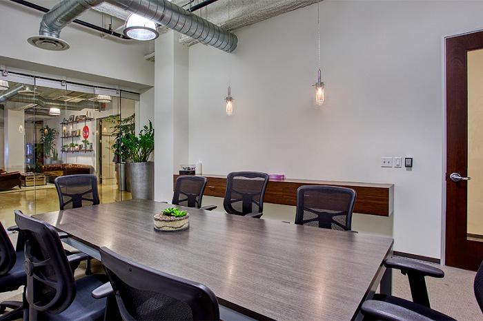 Premier Workspaces Meeting Rooms 4590 MacArthur Newport Beach | CloudVO