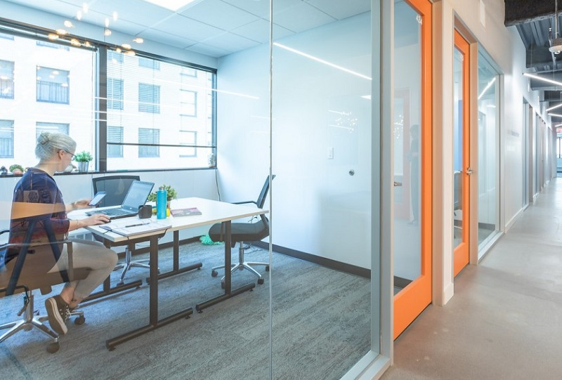 Private Guest Office Novel Coworking Minneapolis | CloudVO