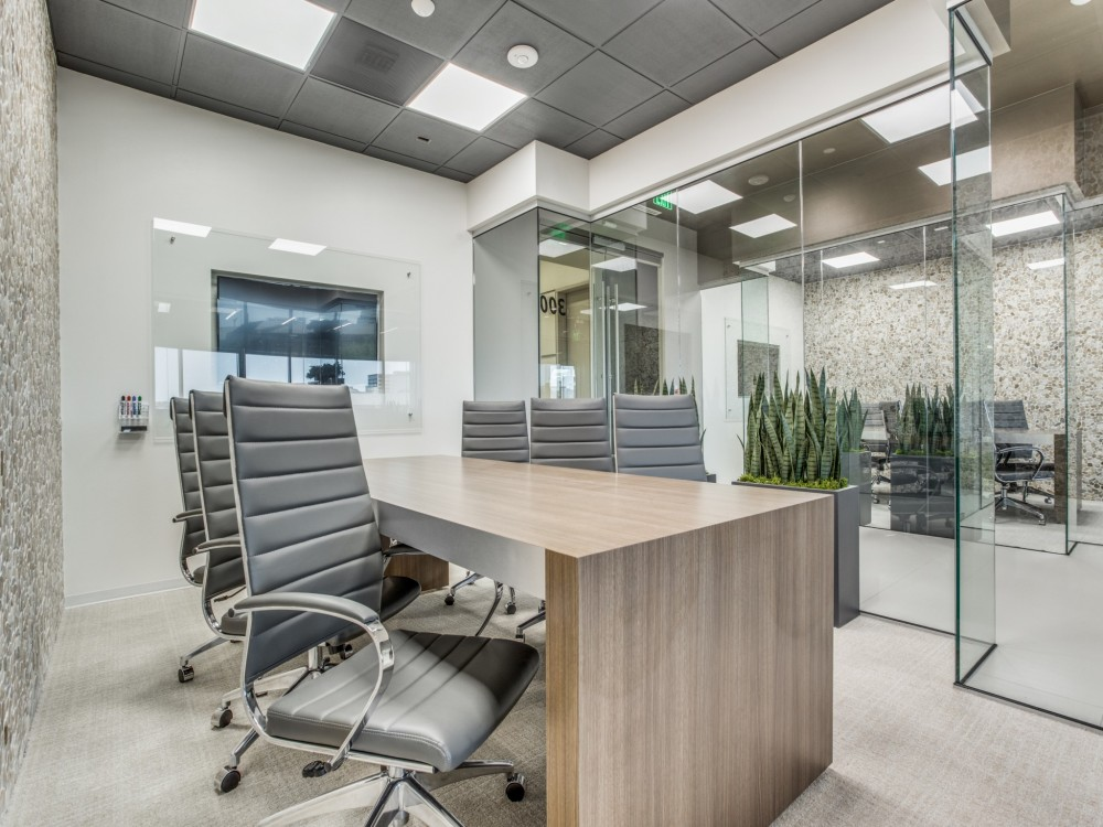Dallas Meeting Rooms Worksuites Uptown Cole Ave | CloudVO