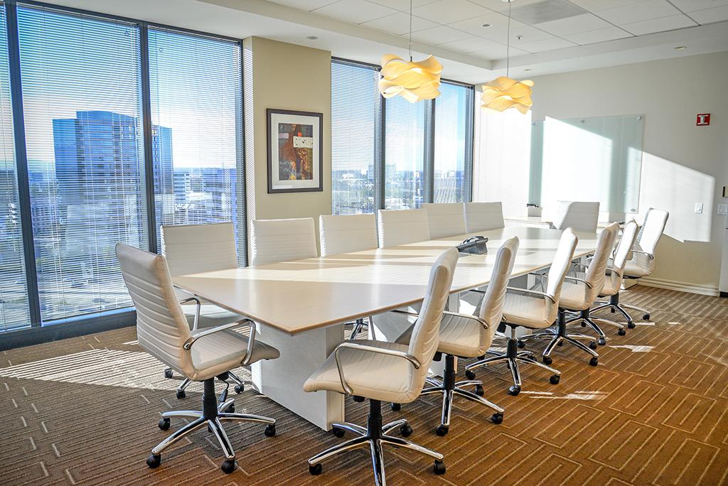 Meeting Rooms Irvine, CA Premier Workspaces | CloudVO